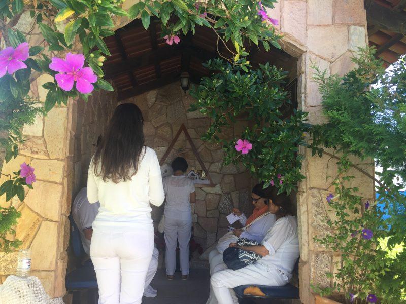 Święty Trójkąt w kapliczce Św. Rity w ogrodzie