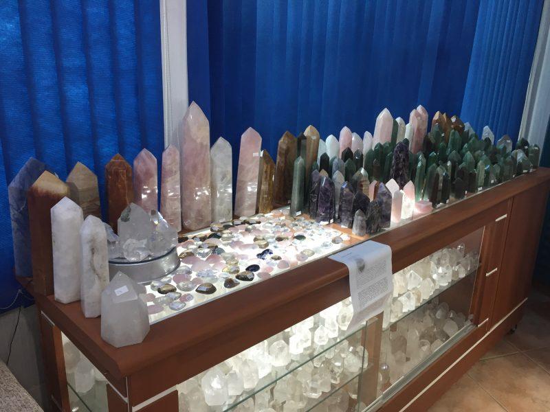 Kryształy w sklepie Casy 3